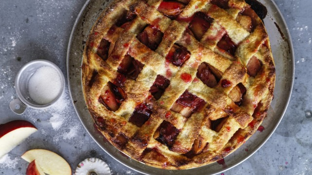 Apple and rhubarb pie with an optional lattice design.