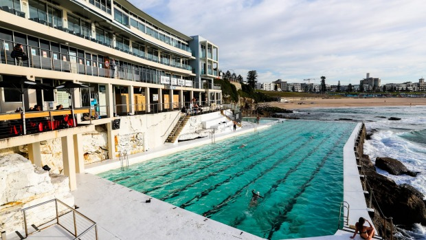Bondi Icebergs featuring Icebergs Dining Room and Bar on the top floor.