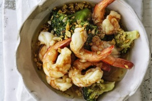 Garlic prawns and broccoli.