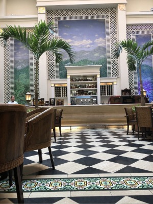 The bar lounge at the Saratoga Hotel, Havana.