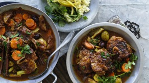 A simple tagine of chicken, enriched with dried figs and olives.