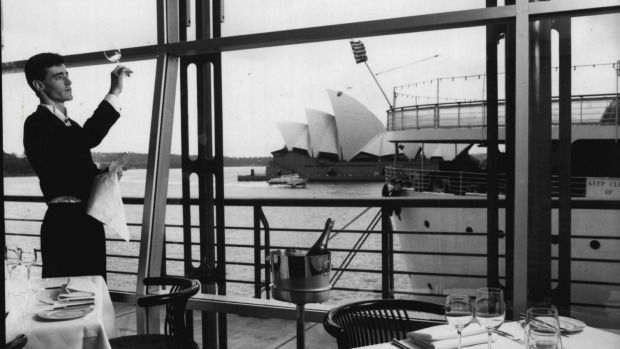 Bilson's at Circular Quay photographed November 10, 1988.