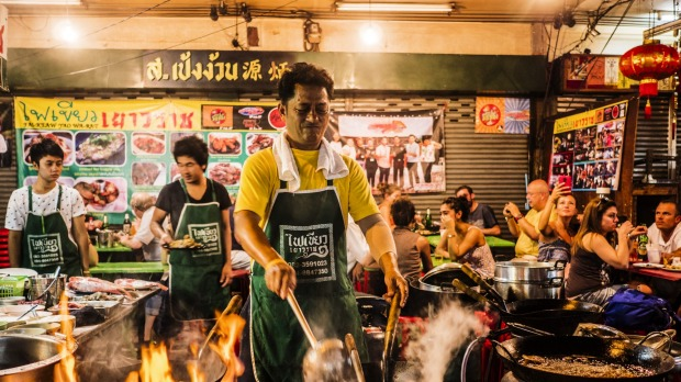 Continue your street food quest in Chinatown, which will transport you from Bangkok to Beijing.
