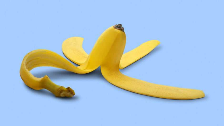 Eating the peel is an easy way to boost your diet with extra dietary fibre, vitamin B6, vitamin C and magnesium.