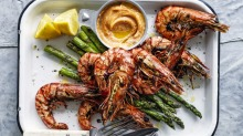 Reserve prawn heads and shells to make a flavour-boosting oil.