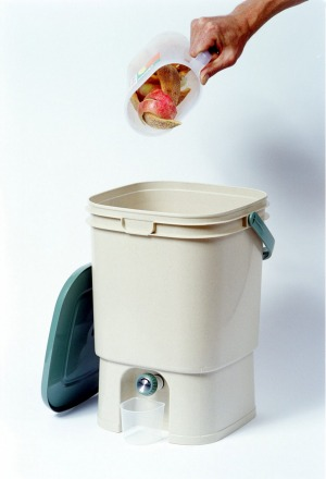 A Bokashi bucket makes the most of food waste.