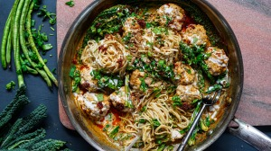The Chiang Mai soup reimagined as noodles and meatballs.