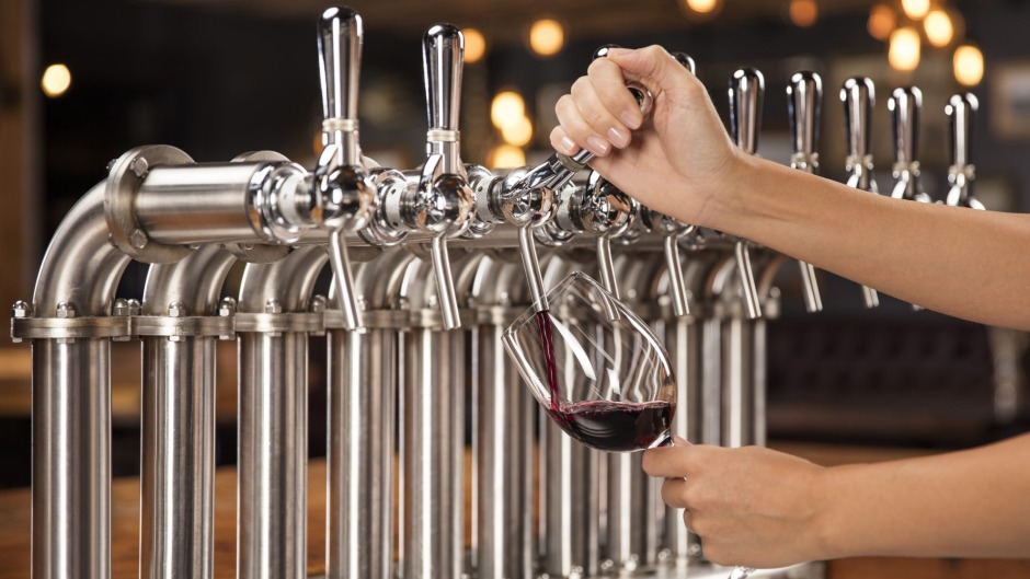Drinking wine from a keg lessens your carbon footprint.