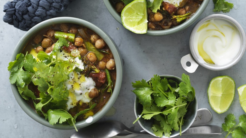 Chickpea and broccolini curry with garlic yoghurt