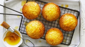 Butter and marmalade muffins.