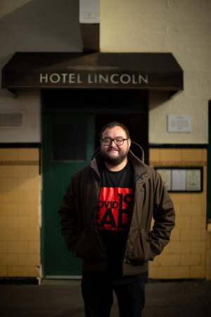 Hotel Lincoln publican Iain Ling doesn't believe he could make a grand final service work with a week's notice.
