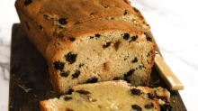 No-yeast raisin bread.