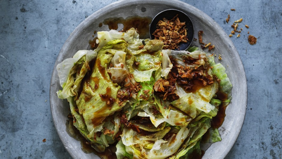 Lettuce with oyster sauce.