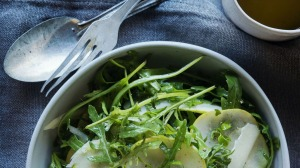 A simple side salad for pasta.