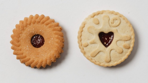 Arnotts's Raspberry Shortcake (left) and a Jammie Dodger.