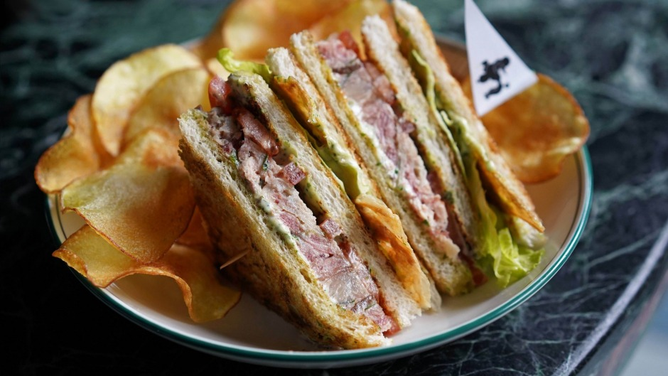 A quality club sandwich with chicken crackling.