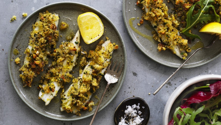 Baked garfish fillets with pistachio and breadcrumbs.
