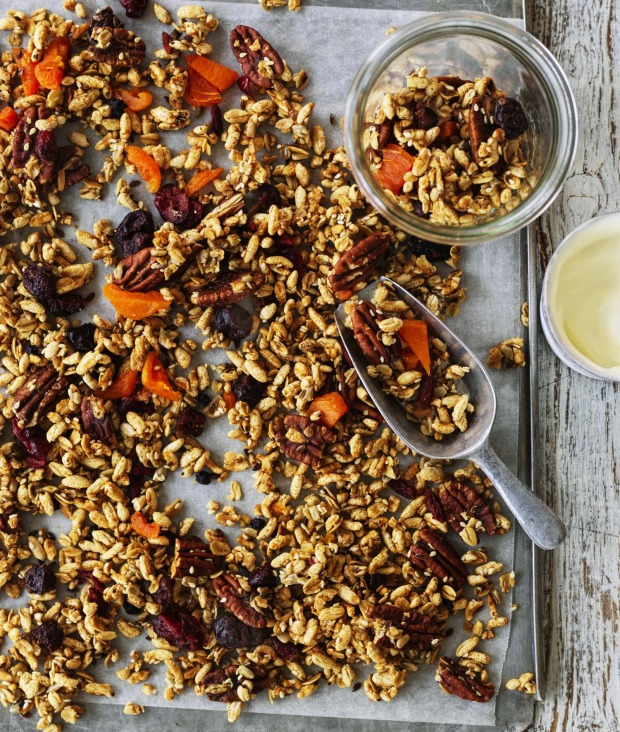 Puffed rice, pecan and maple granola with optional coriander seeds.