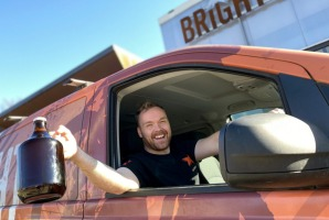 Bright Brewery is home-delivering growlers of fresh draught beer to Melbourne.