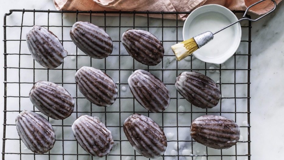 Moscow mule inspired madeleine-shaped cakes.