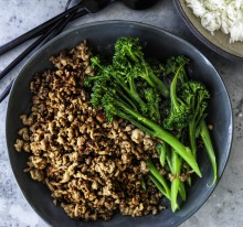 ***EMBARGOED FOR SUNDAY LIFE, AUGUST 2/20 ISSUE*** Adam Liaw recipe : Mince with oyster sauce Photograph by William ...