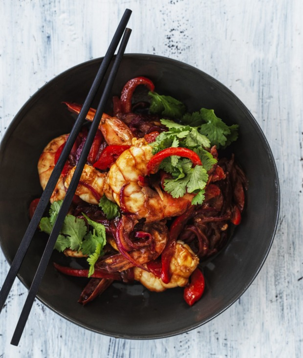 Serve these spicy pawns with noodles or steamed rice.