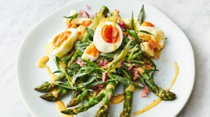 Jamie Oliver's asparagus, eggs and French dressing.