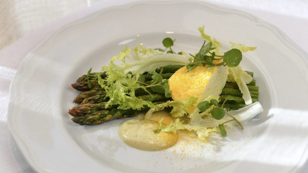 Grilled asparagusa with buffalo mozzarella and fromage blanc.