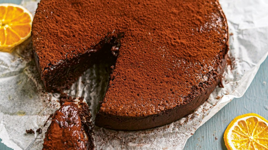 You can use your slow-cooker to melt chocolate, and even make this espresso martini chocolate cake (recipe below).
