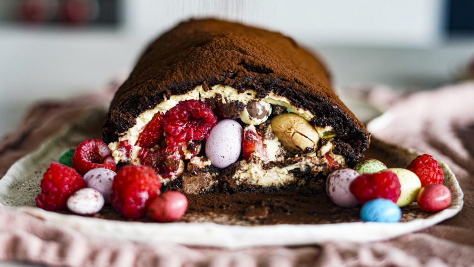 Chocolate meringue roulade, but make it Easter.