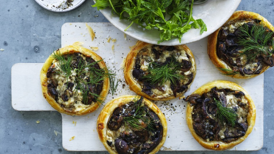 This recipe makes enough for six tartlets or one large tart.