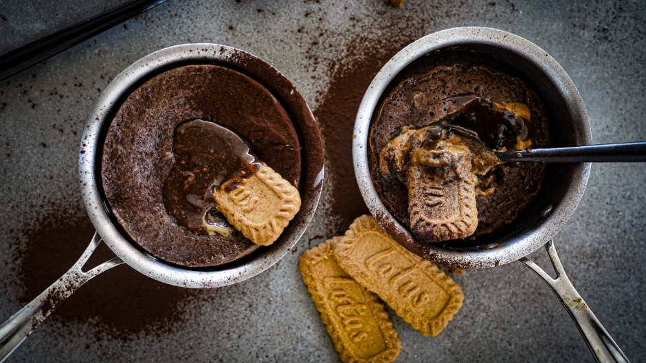 Chocolate puddings with Lotus Biscoff biscuits and spread.