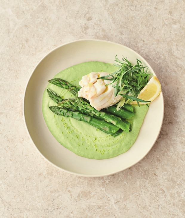 Jamie Oliver's avocado hollandaise with steamed flaky white fish.